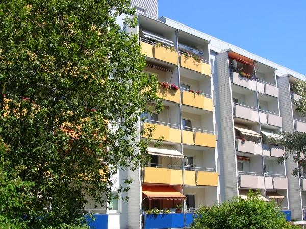 zwei sonnige Balkone
