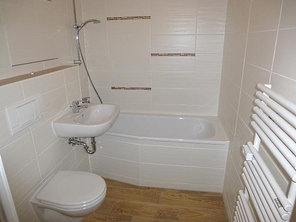 saniertes Bad mit top Fliesen