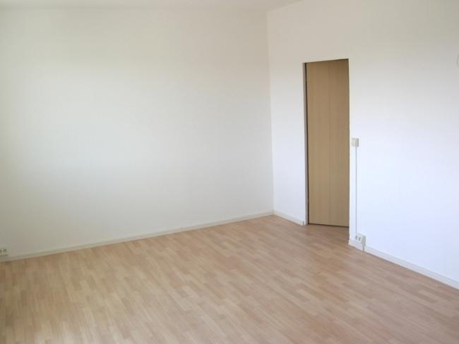 kombiniertes Wohn- / Schlafzimmer