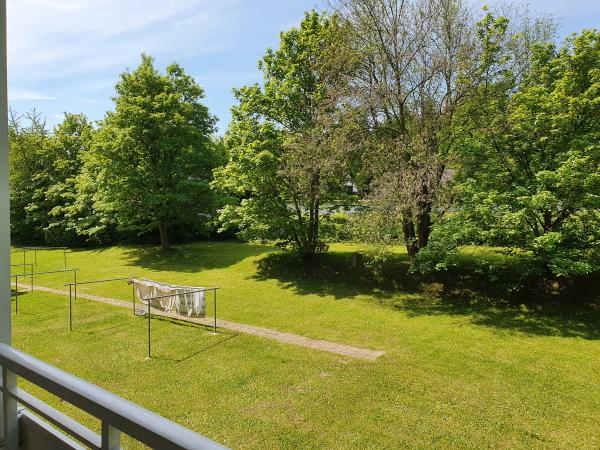 viele Grünflächen am Haus