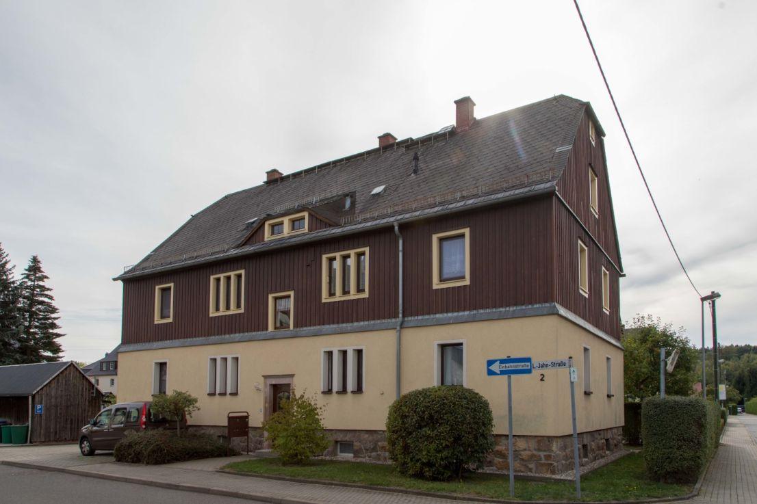 Fr.-Ludwig-Jahn-Str. 2 - Vorderansicht