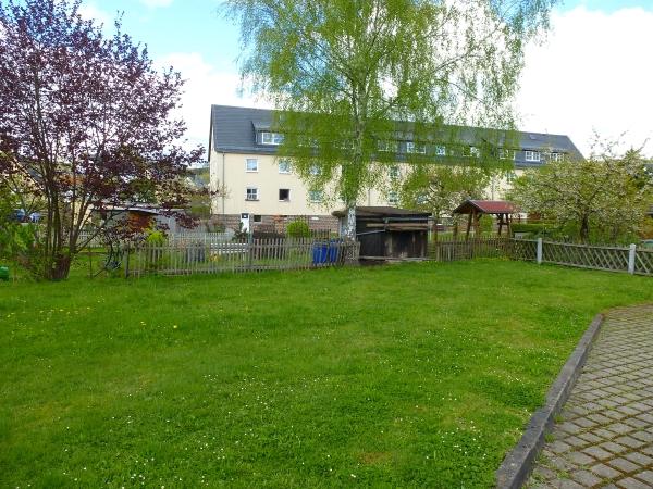 großer Gartenbereich am Haus